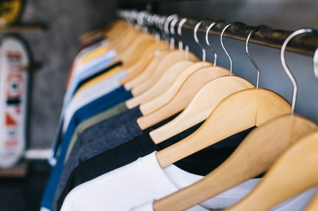 How to choose elegant hangers for your boutique?